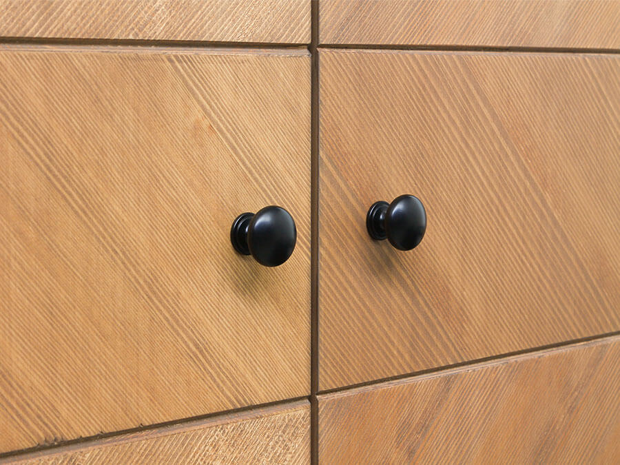 11619150-Bopita-2-deurskast-Job-Vintage-honey-detail