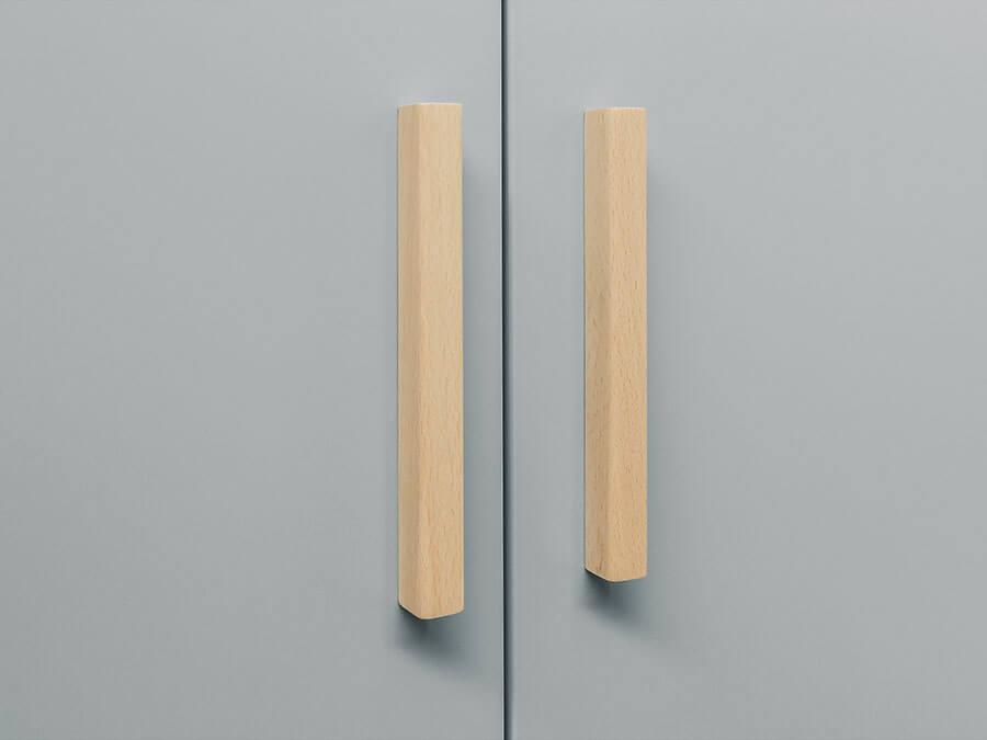 15620961-Bopita-Emma-3-deurs-kledingkast-detail